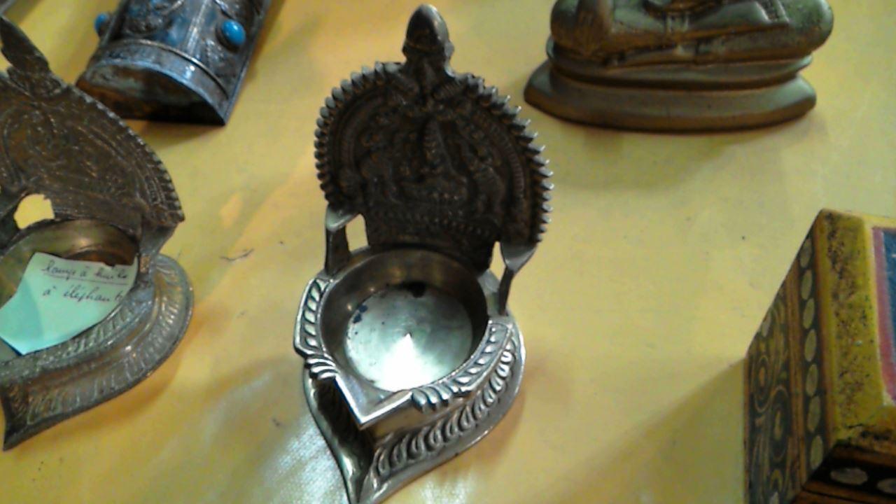 Lampe A Huile Indienne Unite D Occasion Troc Com