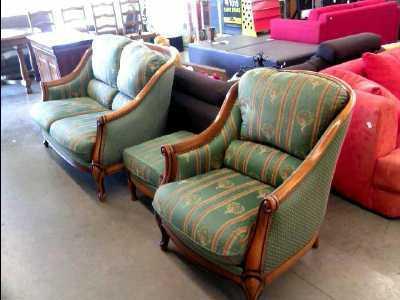 canape 2 places avec fauteuil et repose pieds tissu bois d 39 occasion. Black Bedroom Furniture Sets. Home Design Ideas