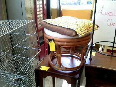 pouf d 39 occasion. Black Bedroom Furniture Sets. Home Design Ideas
